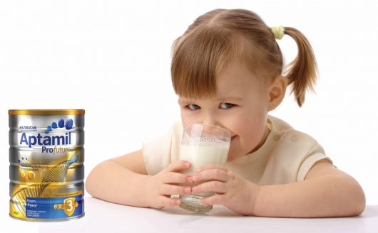Aptamil Úc với hàm lượng dinh dưỡng cao đảm bảo cho sự phát triển toàn diện của bé