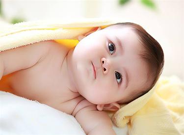 Bổ sung Canxi thường xuyên cho bé