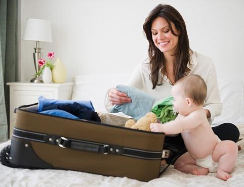 Chuẩn bị đủ dinh dưỡng cho bé khi đi du lịch cùng bố mẹ