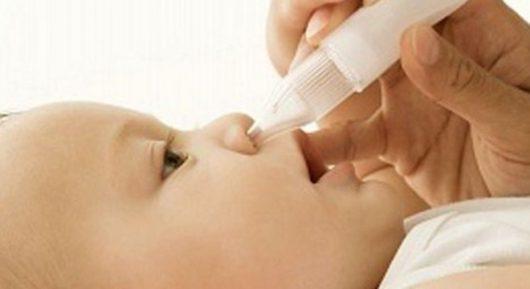 Có nên sử dụng thuốc xịt mũi cho trẻ sơ sinh