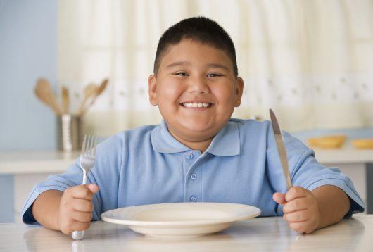 Tình trạng bé thừa cân nặng phổ biến hiện nay