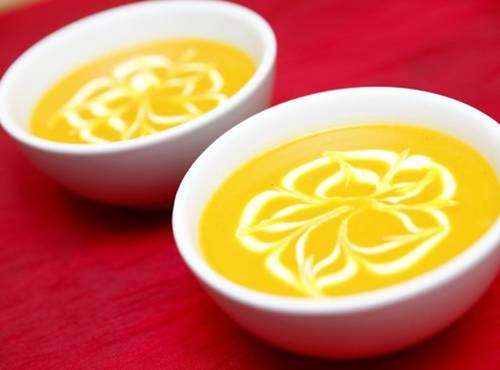 Chế biến món sup bí đỏ cho bé yêu