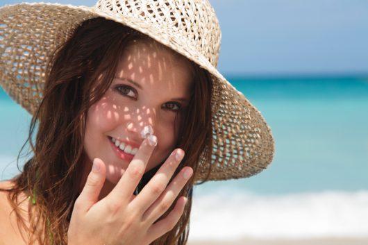 Lựa chọn kem chống nắng phù hợp cho từng môi trường khác nhau