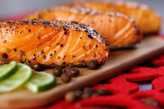 Cá hồi là thực phẩm chứa rất nhiều hàm lượng DHA