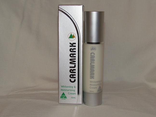 Kem dưỡng trắng da chống lão hóa Carlmark Bio Nano Whitening and Moisturising Cream